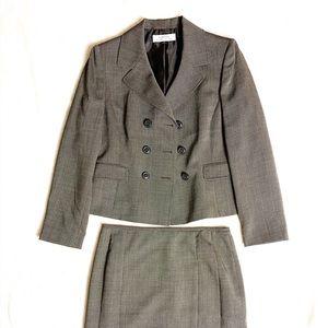 Tahari Arthur S Levine Skirt Suit Sz 10 EUC Gray